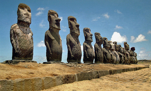 Did Easter Island culture collapse? The answer is not simple   Aeon