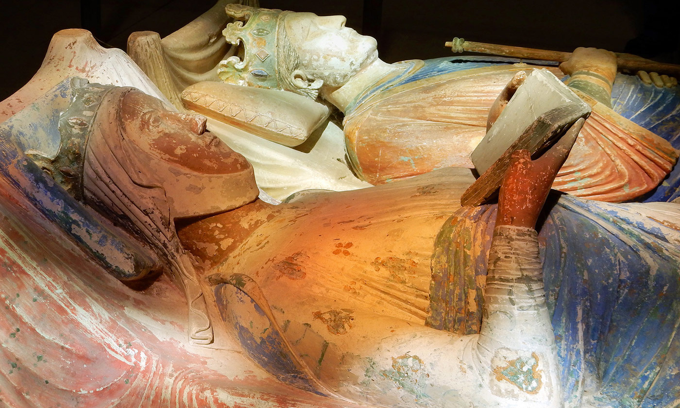 <p>Power behind the throne. The tomb of Eleanor of Aquitaine alongside Henry II of England in the church at Fontevraud Abbey in Anjou, France. <em>Photo courtesy Martin Cooper/Flickr</em></p>