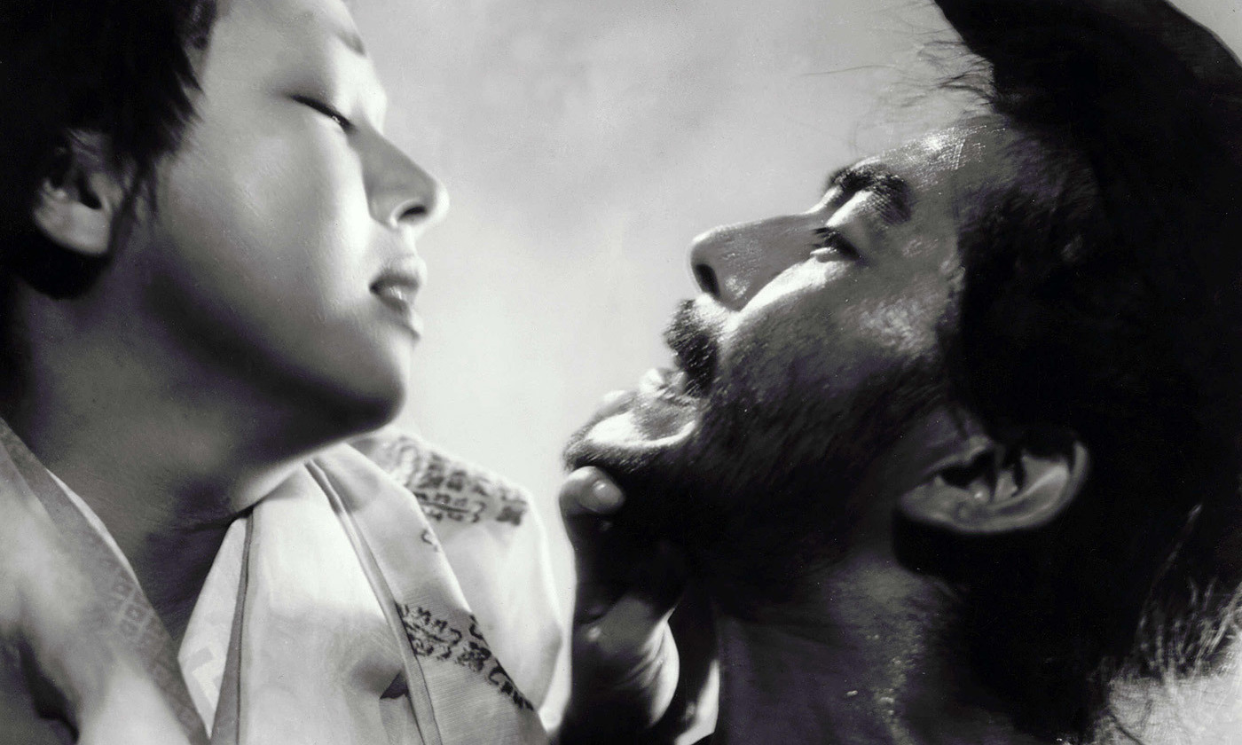 Machiko Kyō and Toshiro Mifune in Kurosawa's <em>Rashômon</em> (1951). <emPhoto by Rex Features</em>