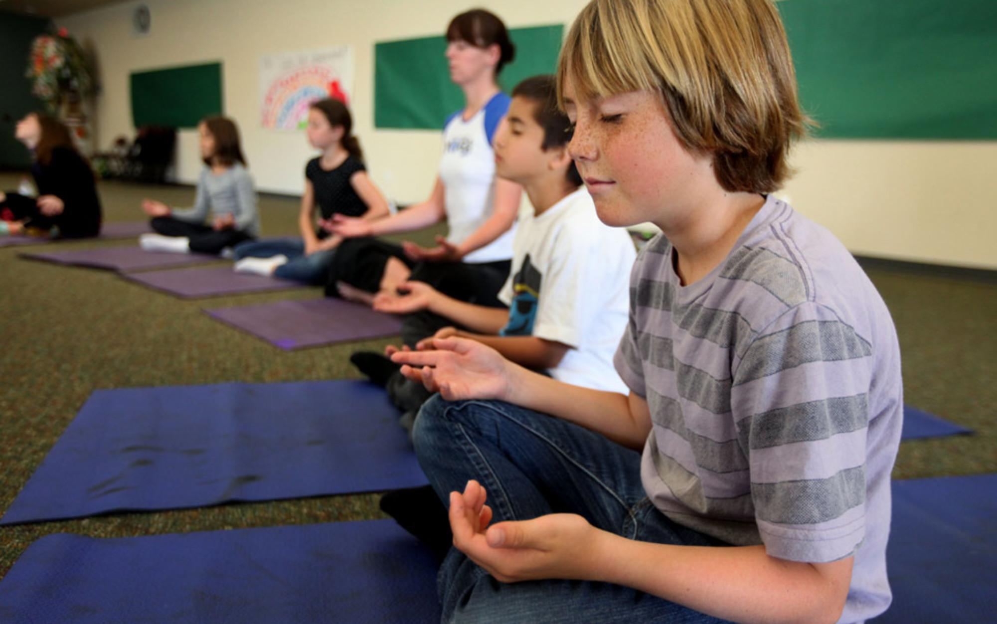 Header yoga children